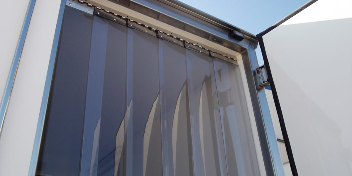 THE-INDUSTRIAL-BENEFITS-OF-PVC-STRIP-CURTAINS