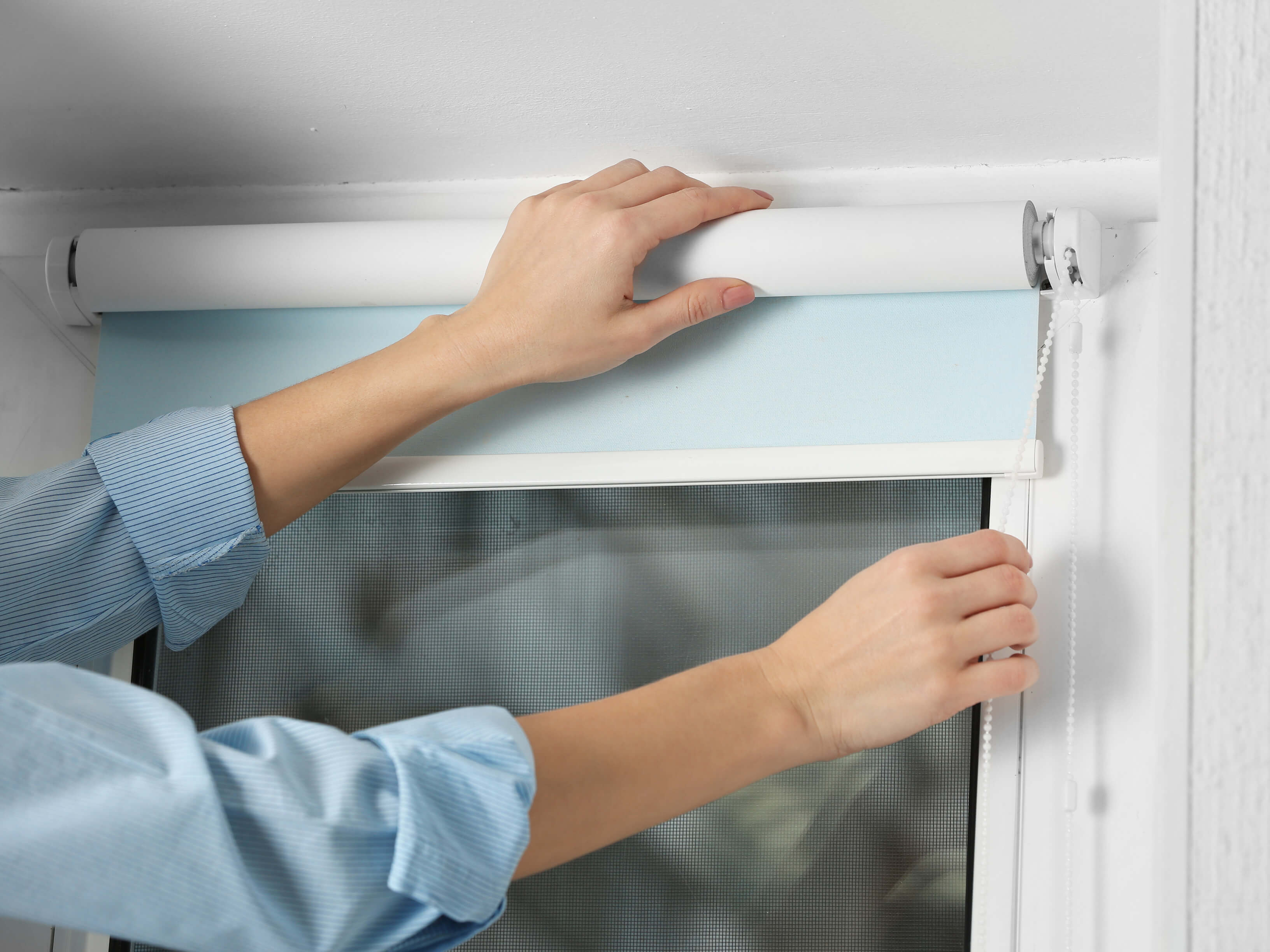 Commercial-Use-of-Roller-Blinds